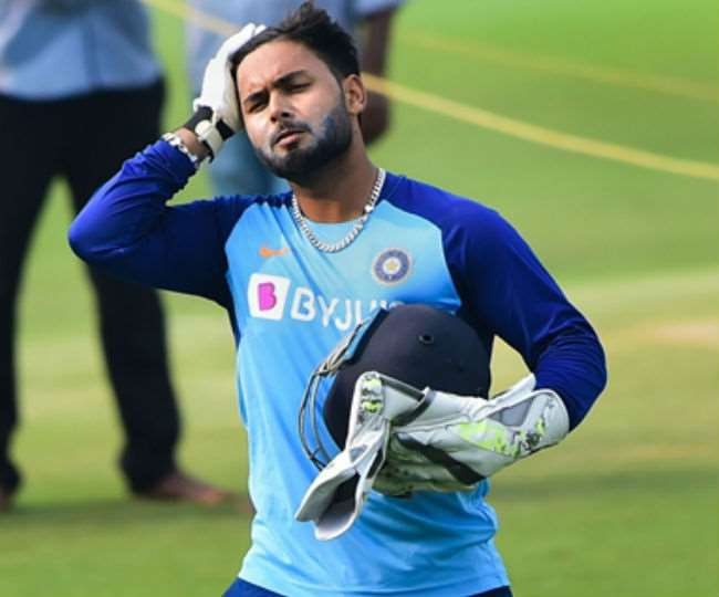 rishabh-pant-to-surpass-ms-dhoni-record-in-t20-vs-